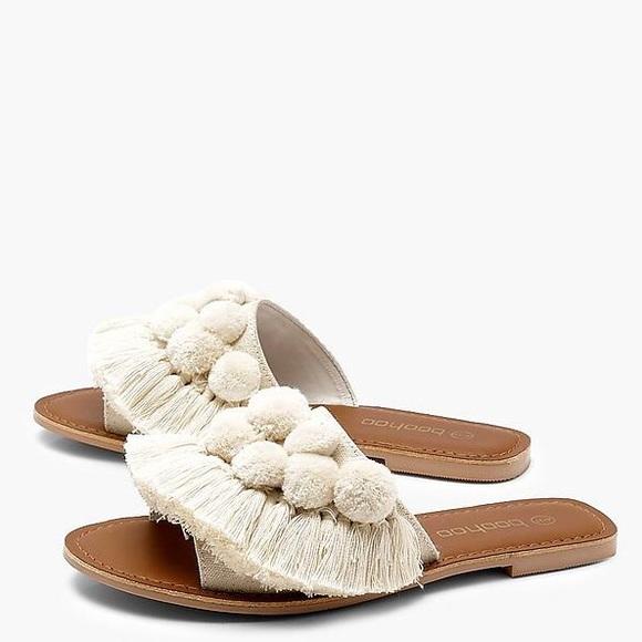 46f1a0d6bba NWT Boohoo Hannah Pom Pom Frill Leather Slides